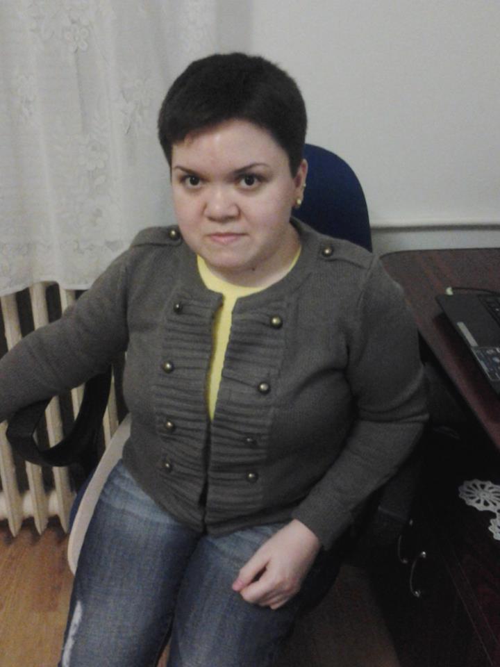 """Interviu cu Alina Gheorghe, autoarea blogului """"Litere Stacojii"""""""