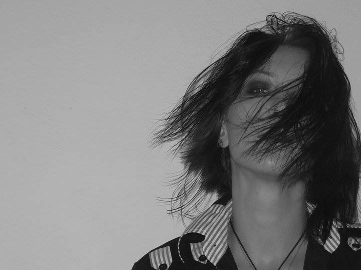 INTERVIU cu Camelia Bucur. De formație jurnalist, blogger din convingere