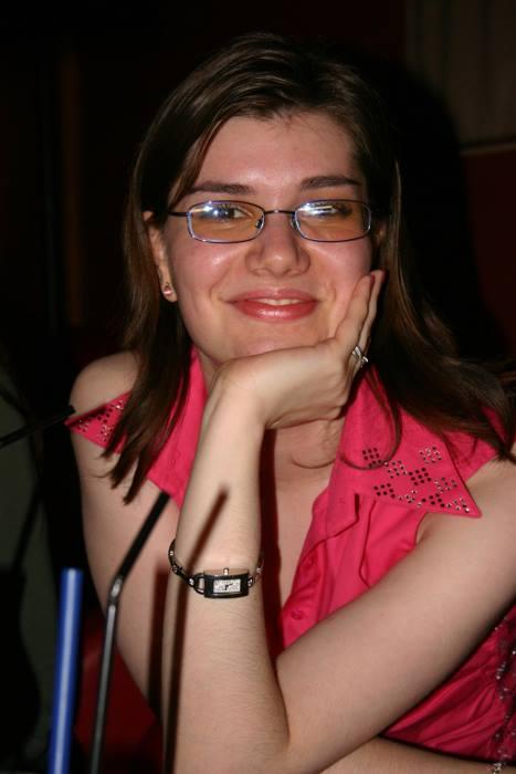 """Interviu cu Violeta Loredana Pascal, PRwave: """"Este important ca bloggerii să îşi găsească o voce şi să aibă un scop concret"""""""